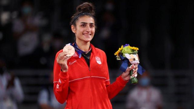 Tokyo 2020 den madalyayla dönen sporcularımız #6