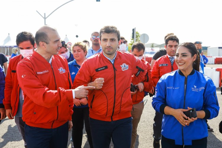 Selçuk Bayraktar, yarışmacı gençlerin çağrısına yanıt verdi #7