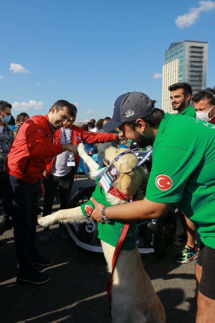 Selçuk Bayraktar, yarışmacı gençlerin çağrısına yanıt verdi #9