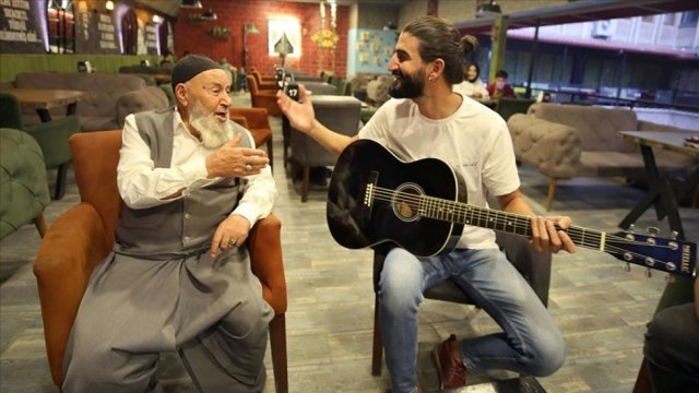 Elazığ da Rock ve tasavvuf sanatçısı düet yaptı #4