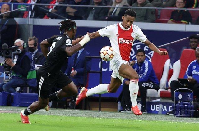 Oğuzhan Özyakup: Ajax ı, İstanbul da yenecek güce sahibiz #1