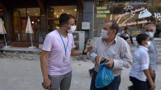 Siirt te sağlık çalışanları vatandaşları aşı olmaya ikna ediyor #3