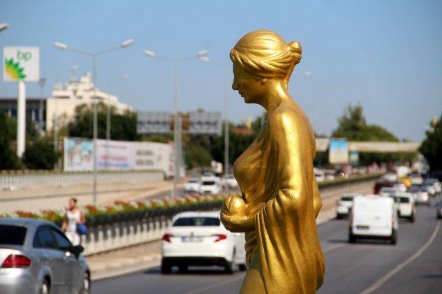 Antalya daki Altın Portakal Film Festivali için 58 heykel dikildi #2