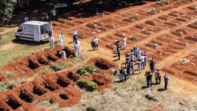 Brezilya da koronadan ölenlerin sayısı 600 bini geçti #3