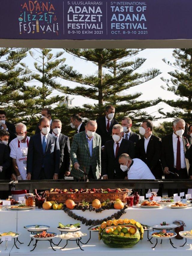 Cumhurbaşkanı Erdoğan lezzet festivalinde mangalın başına geçti #5