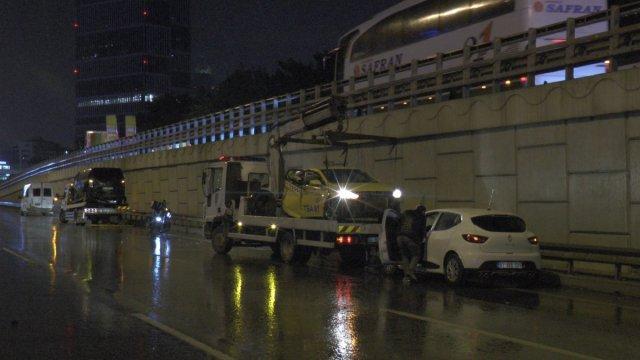 İstanbul da zincirleme kaza: 4 yaralı #3