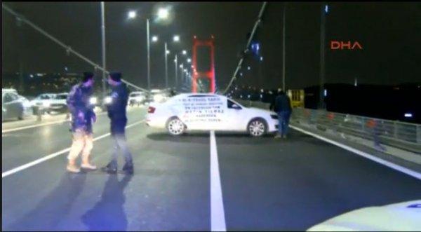 15 Temmuz Şehitler Köprüsü'nde eylem, trafiği kilitledi