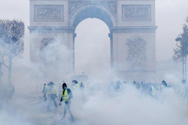 Fransa'da yaşanan olaylara basın sessiz