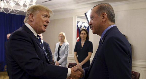 Trump'tan Erdoğan'a iltifat: Ne kadar yakışıklısın