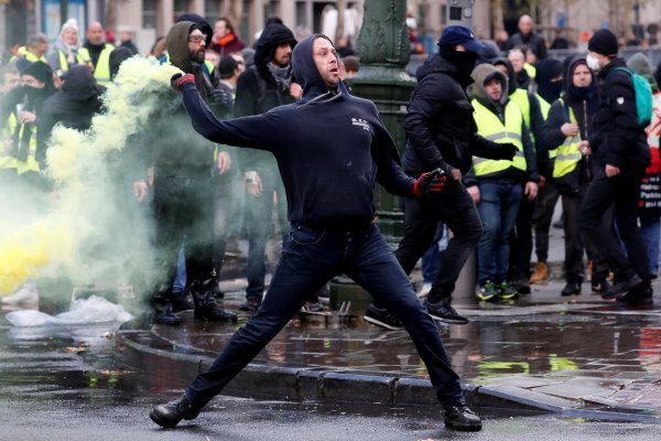 Belgian police used teargas on 'yellow vest' protesters