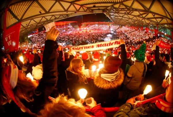 Union Berlin taraftarlarından en kalabalık Noel şarkısı