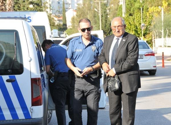 Antalya'da otobüs şoförü gaziyi zorla otobüsten indirdi