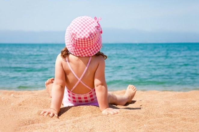 Children can meet their vitamin D needs by sunbathing #1