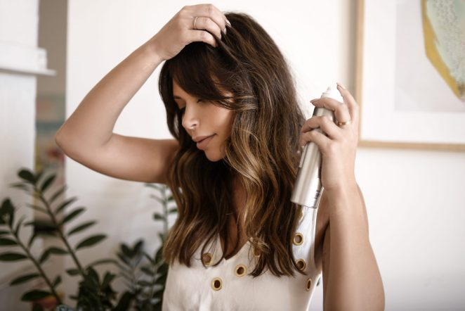 9 ways to hide the oily look of your hair #1
