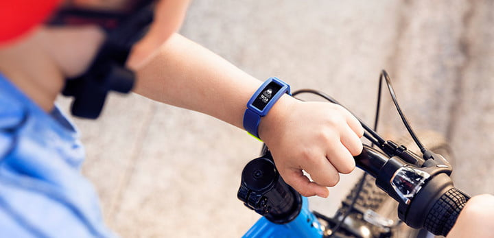 Fitness tracker fitbit ace 2 for kids on offer lifestyle