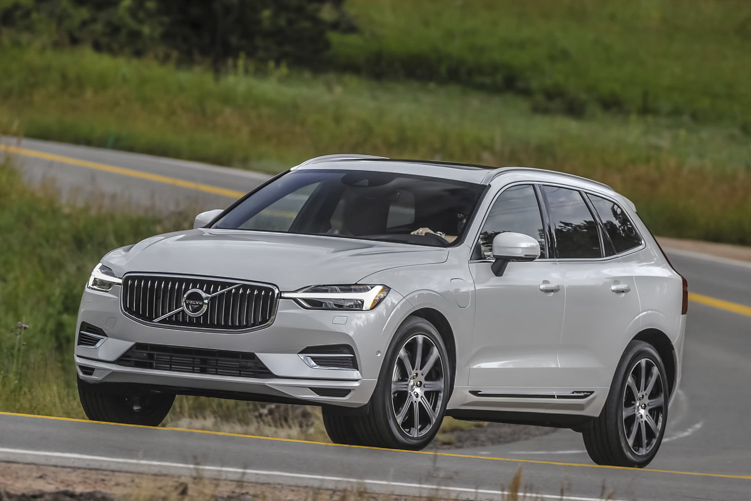 2018 Volvo Xc60 T8 First Drive Review  Digital Trends