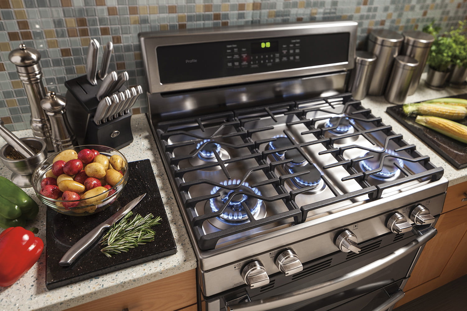 best kitchen stoves wood top for island the oven ranges of 2019 digital trends