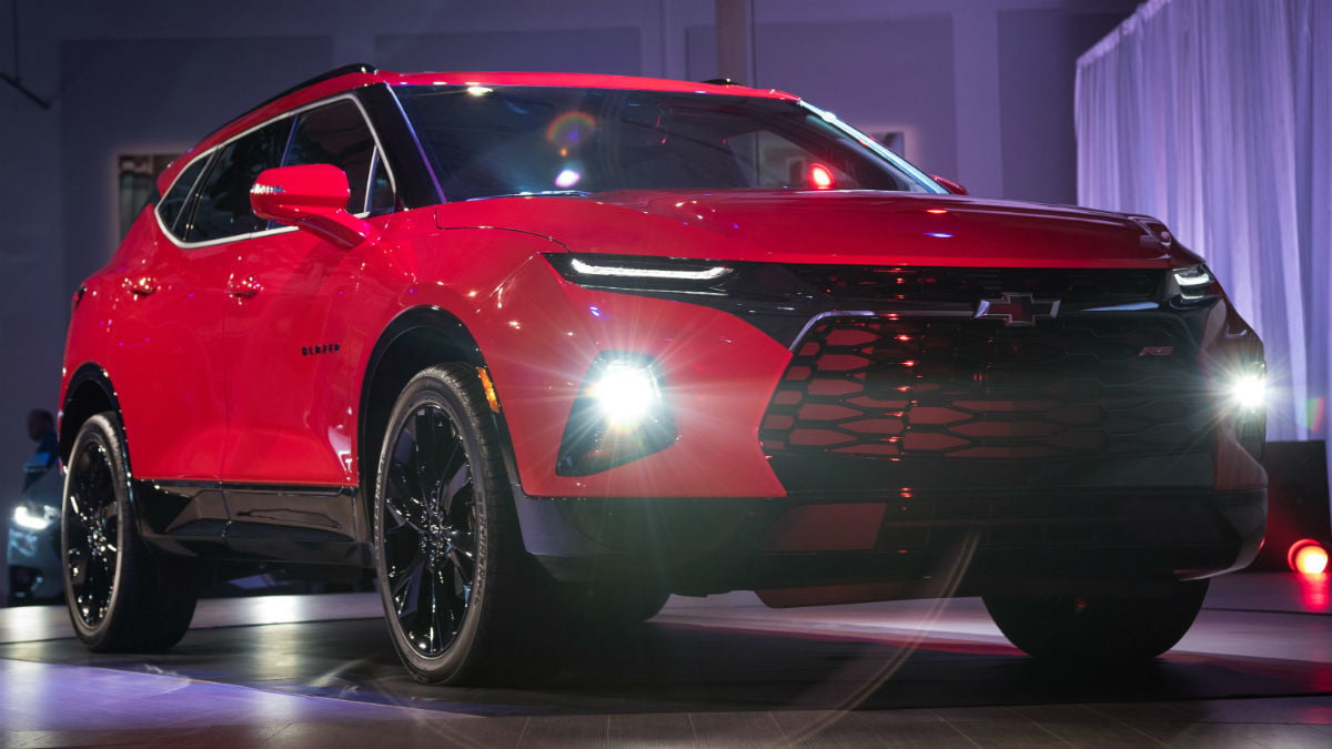 hight resolution of 2019 chevy blazer reveal front