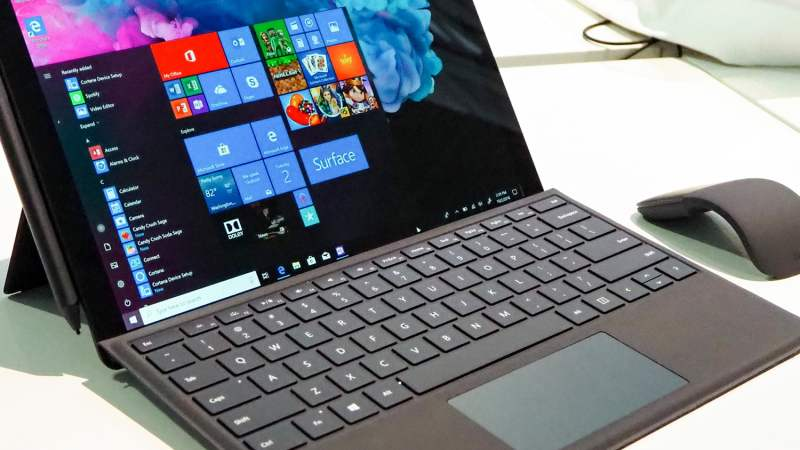 salva 330 su surface pro 6 su Amazon oggi microsoft feat