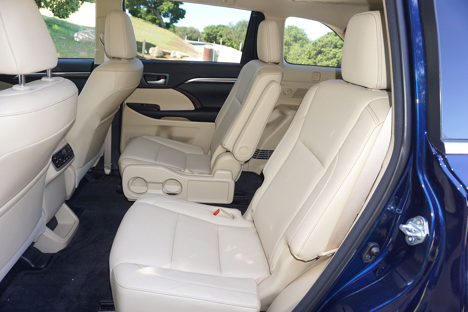 Toyota Highlander Captains Chairs 2015 Toyota Highlander Captains Chairs Autos Post