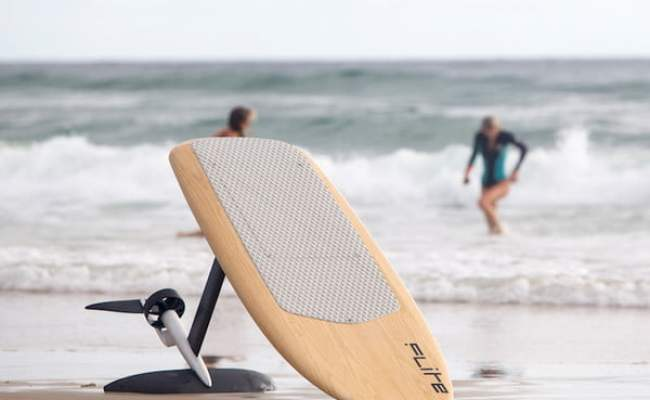 You Don T Even Need Waves To Ride This Electric Hydrofoil