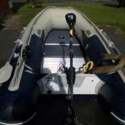 Эхолот для лодки ПВХ с мотором: какой выбрать и как установить