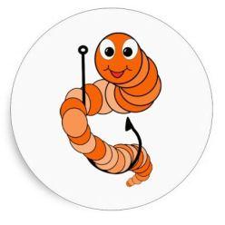 Как правильно насадить червя на крючок разными способами?