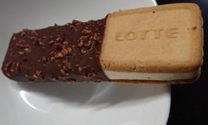 ガーナ チョコ アンド クッキー サンド 値段 カロリー