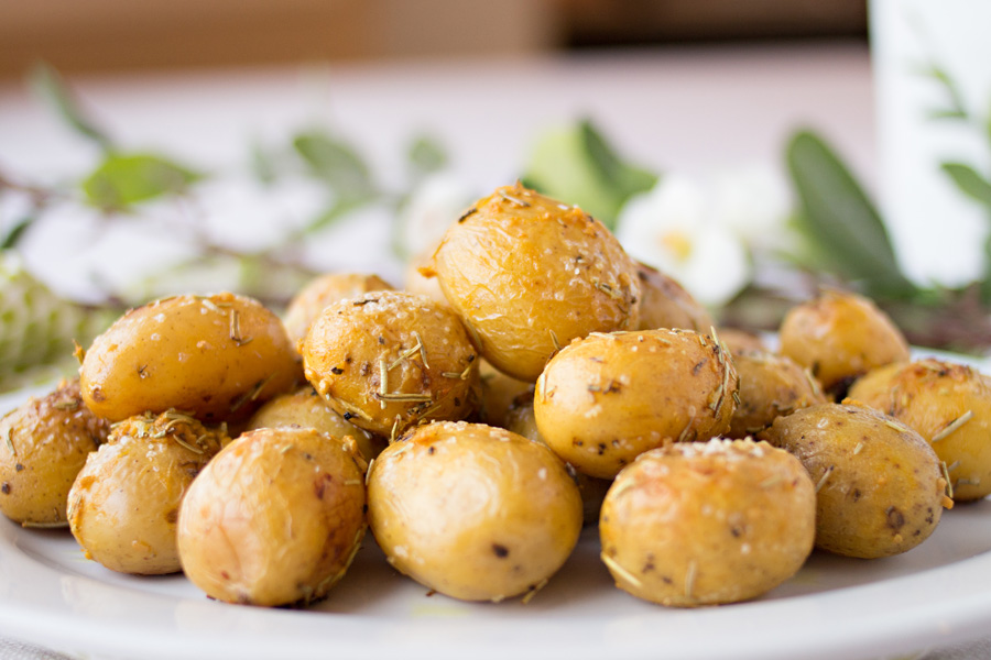 Roasted Rosemary Garlic Potatoes by Ice Cream Inspiration