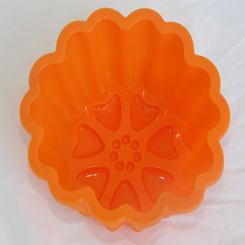 SILICONE CUP CAKE MOULD