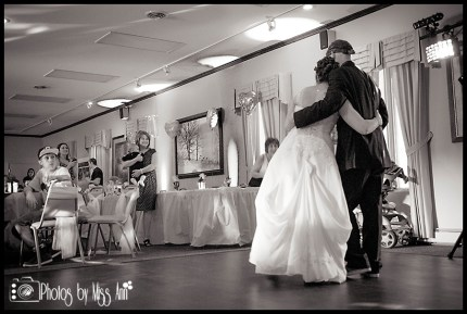 first-dance-photos-eyry-of-the-eagle-farm-wedding