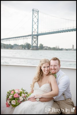 ambassador-bridge-wedding-photos-infinity-yacht-wedding-photographer-photos-by-miss-ann