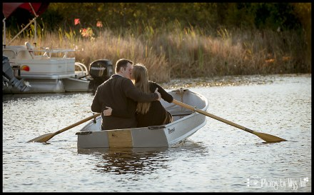 row-boat-kiss-engagement-sessions-on-row-boats-by-photos-by-miss-ann