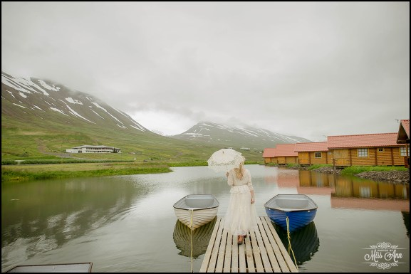 iceland-wedding-photographer-photos-by-miss-ann-brimnes-hotel-and-cabins