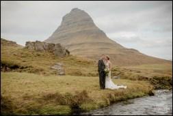 iceland-wedding-kirkjufellsfoss-mountain-5
