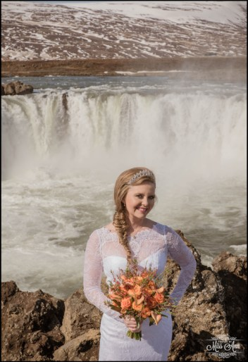bride-in-iceland1