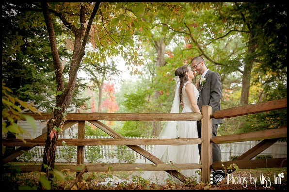 Perfect Fall Wedding Photo at Wildwood MetroPark Toledo