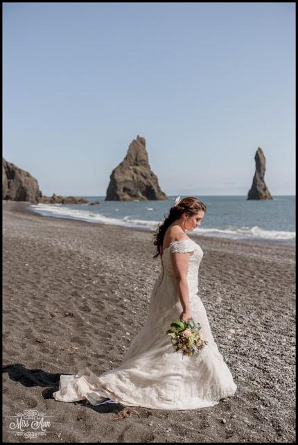 Bridal Photos Iceland Reynisfjara Beach Wedding