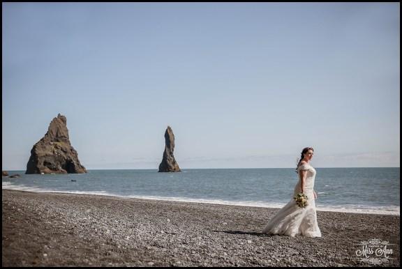 Iceland Wedding Photographer Reynisfjara Beach Wedding (2)