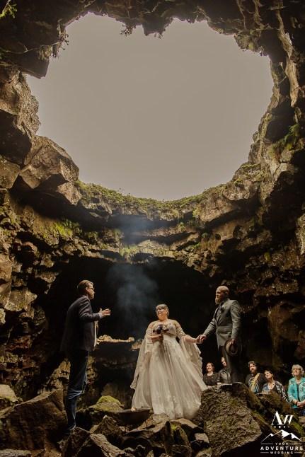 iceland-wedding-photographer-cave-wedding-5