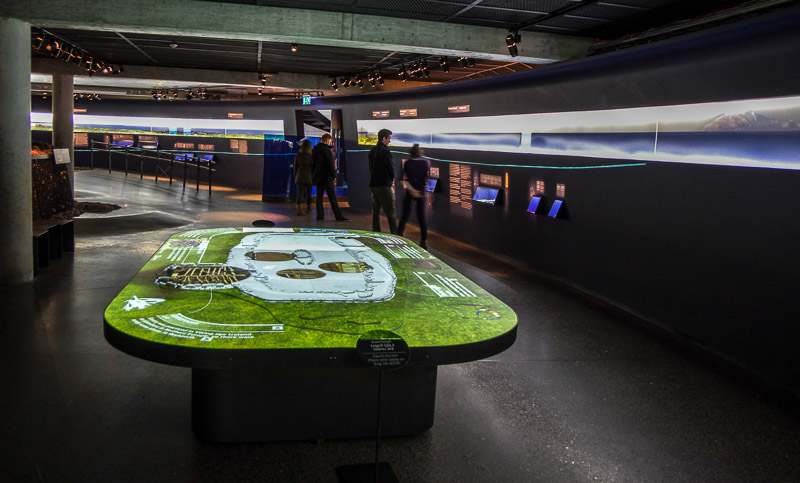 871 interactive table