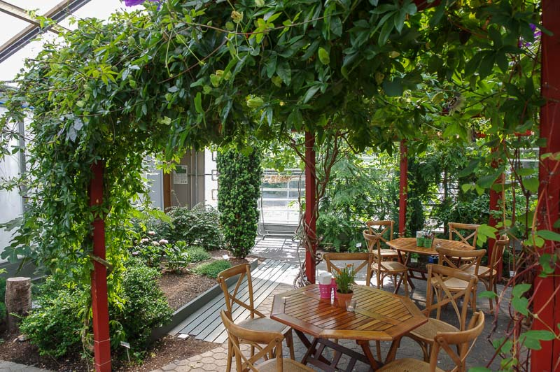 cafe floran seating
