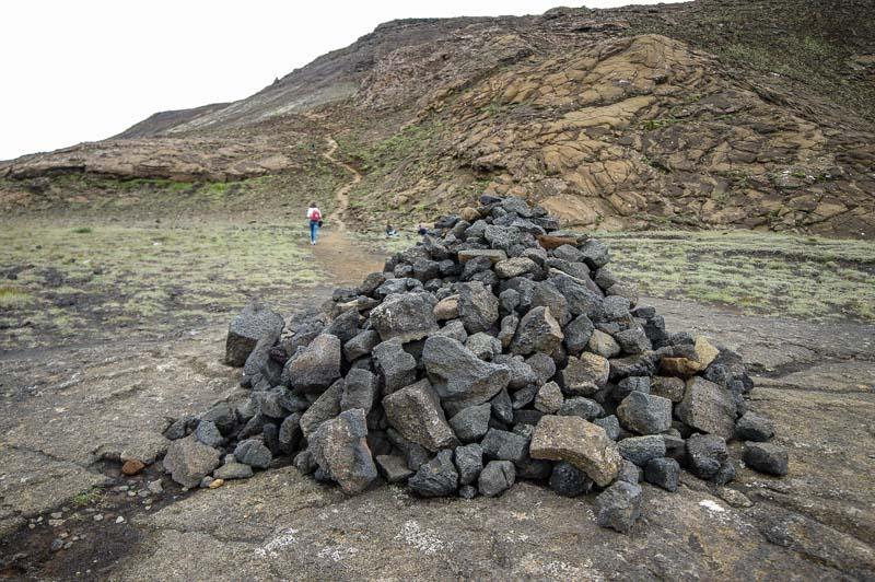 helgafell follow the cairns