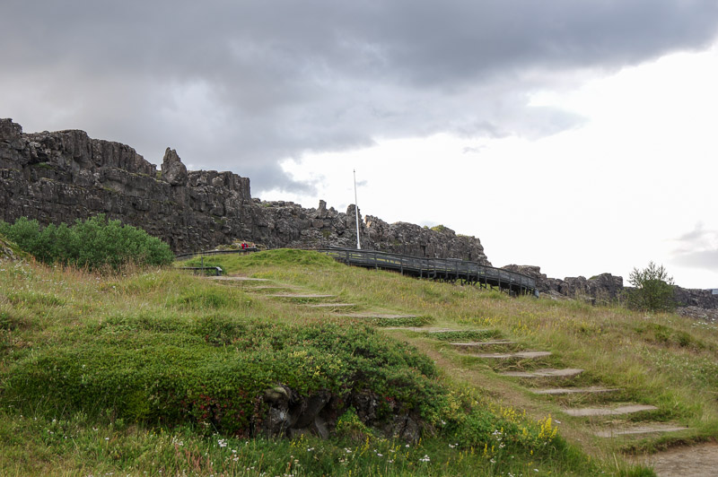 12 thingvellir law rock