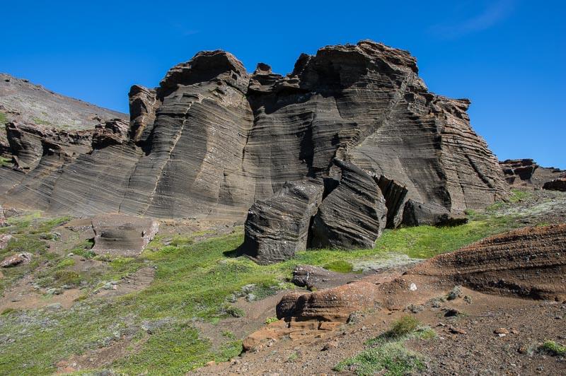rocks behind Kleifarvatn