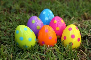 easter-egg-hunt-560x373