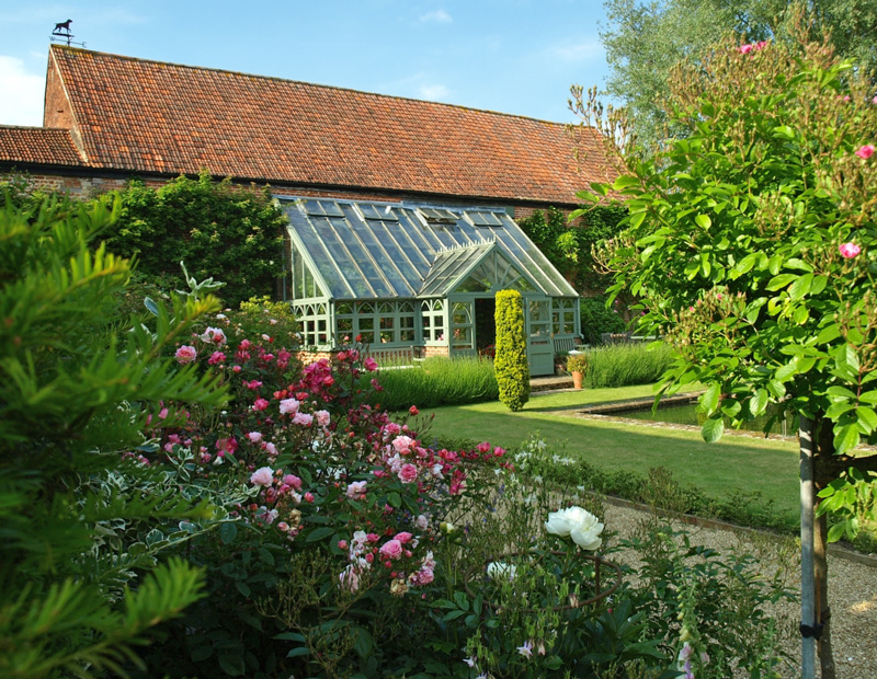 national farm and garden Explore an enchanting garden set within a sheltered valley at the national trust's mottistone gardens on the isle of wight  st catherine's down and knowles farm a wild rocky coast with jutting cliffs, a windswept down and sheltered wooded valley.