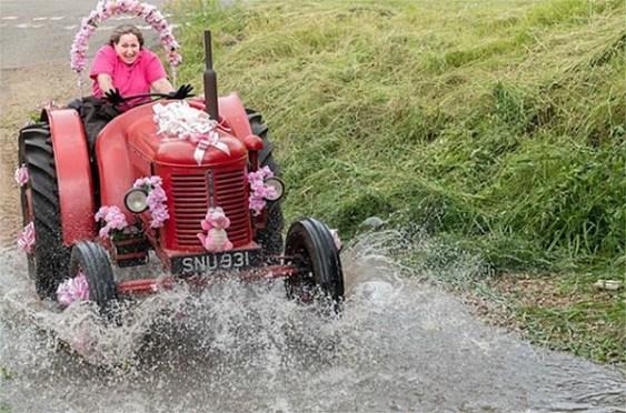 Pink-Ladies-Tractor-Road-Run-2021-C-Jonathan-Slack-7-2