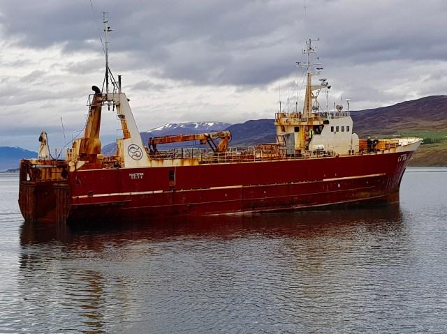 Hjalteyrin departing Akureyri