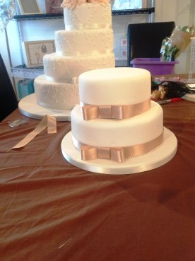 DIY Cake Wedding Cake Bow with Cakes by Shelly